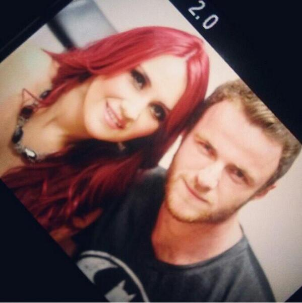 Dulce Maria. [9] - Page 37 BVDwvlBCMAAmes-