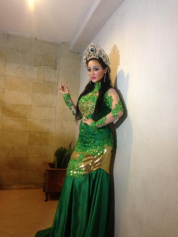 Fifiebuntaran On Twitter Kanjeng Ratu Sasono Sari Alias Nyi Roro Kidul Pantaiselatan Http T Co Sutfiizvis