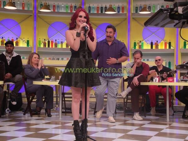 Dulce Maria. [9] - Page 37 BVJuP0lCAAAG-R0