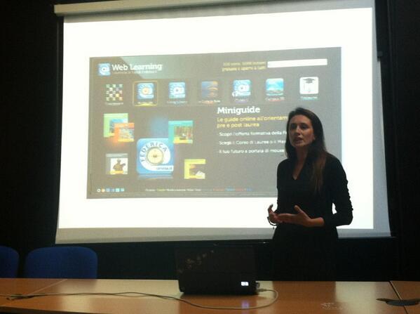 @rosadevivo parla di nuove professioni: il Community Manager - at #jobbingfest http://twitter.com/Alicetraduzioni/status/383598008790552576/photo/1