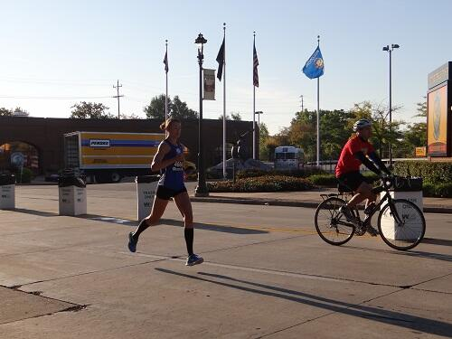 #brewersmini Womens Leader Mile 9 http://twitter.com/wiscotriathlete/status/383992084111183873/photo/1