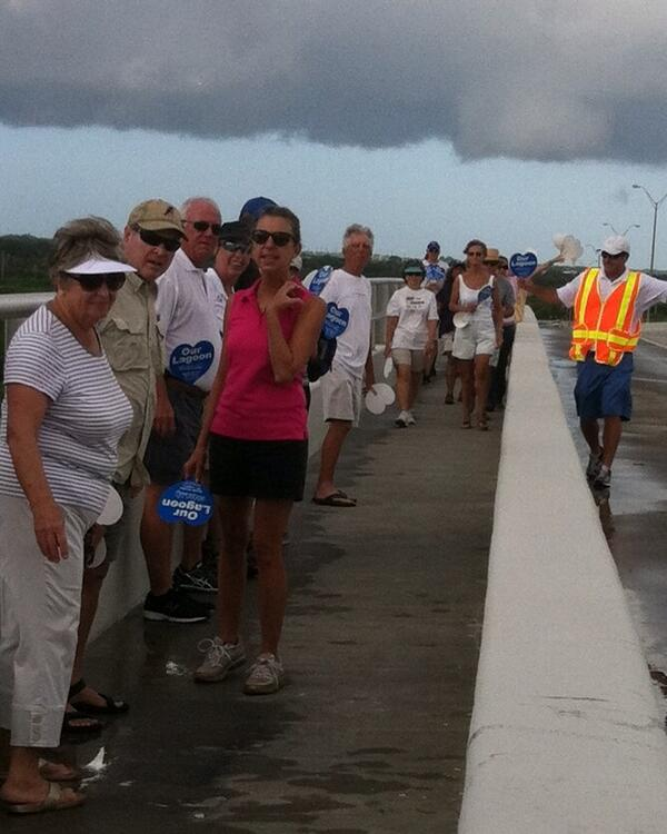 Volunteer organizing Vero bridge group to form chain and hold hands across #indianriverlagoon at 9:45 http://twitter.com/TCPalmCheryl/status/383949776430968832/photo/1