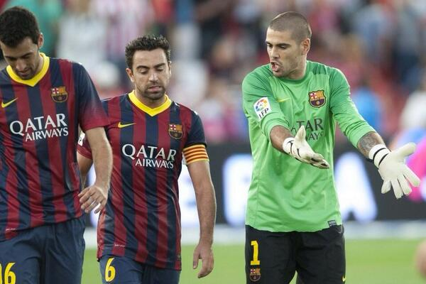 Barça Beef Part II: Victor Valdes admonishes Xavi during Almeria win