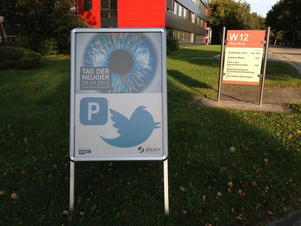 Habemus Tweetup-Parkplatz #ScienceTweetup  (hk) http://twitter.com/ScienceTweetup/status/384209198382592000/photo/1