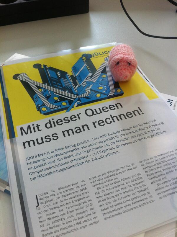 Yeah @haekelschwein is in da house ;) #ScienceTweetup #TdN13 http://twitter.com/CosmoCat/status/384216691666063360/photo/1