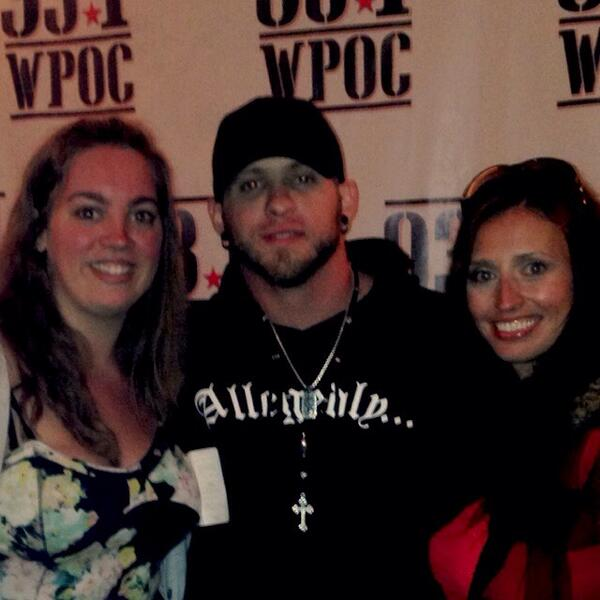 Aly fowler on twitter brantleygilbert what cologne do you wear aly fowler on twitter brantleygilbert what cologne do you wear we were all taking about how good you smelled after the meet and greet m4hsunfo