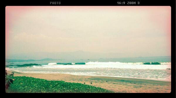 View Pantai Palabuhanratu saat makan siang