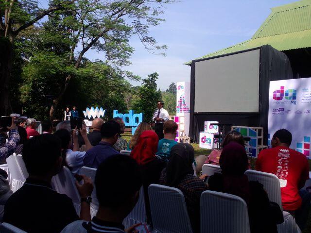 H1: Walikota Bandung Bpk Ridwan Kamil membuka acara