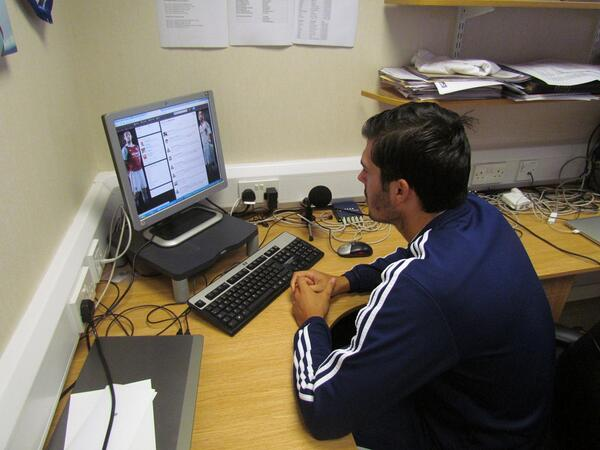 PIC: James Tomkins has arrived for his Twitter Q&A #AskTonks http://twitter.com/whufc_official/status/385016080155951106/photo/1