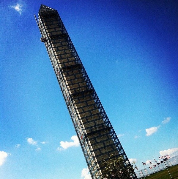 MT @SandiMoynihan Contractors are still working on the Washington Monument during the shutdown http://twitter.com/washingtonpost/status/385113004678729728/photo/1