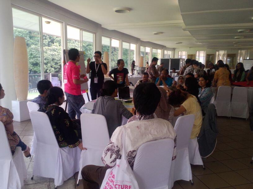 H2: keseruan para peserta dalam diskusi mengenai observasi hari pertama