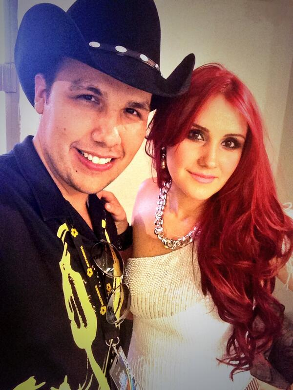 Dulce Maria. [9] - Page 40 BVmoreFCMAEoqmp