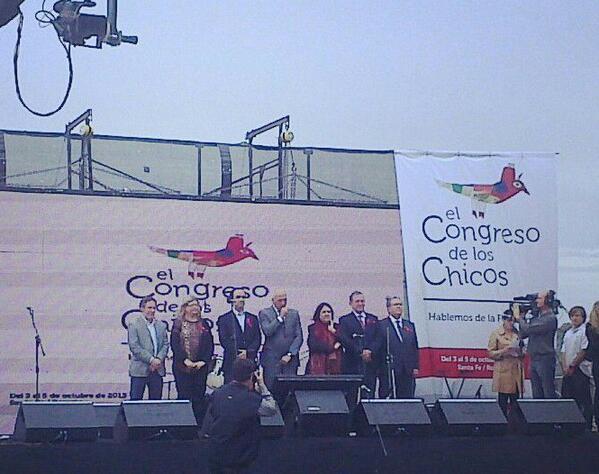 #Ahora Autoridades dan la bienvenida a miles de niños al #CongresodelosChicos http://twitter.com/GobSantaFe/status/385796037916758017/photo/1