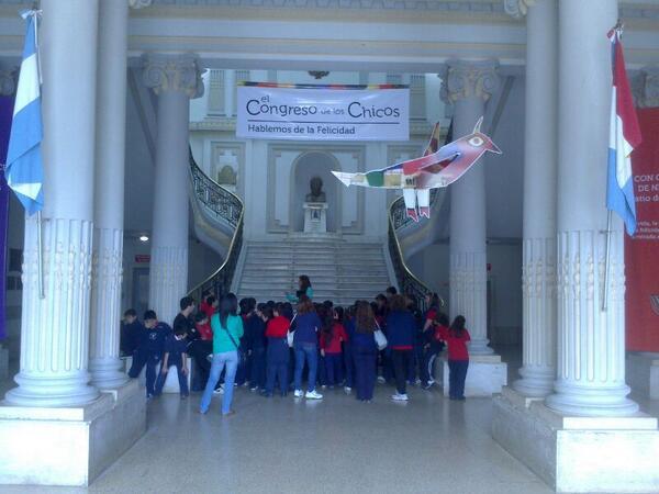 ¡En Casa de Gobierno también se habla de felicidad! #CongresodelosChicos http://twitter.com/GobSantaFe/status/385838344108003328/photo/1