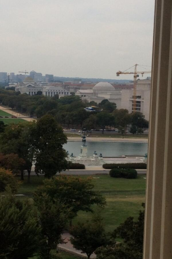Chopper lands west front Capitol http://twitter.com/LukeRussert/status/385838092277391361/photo/1