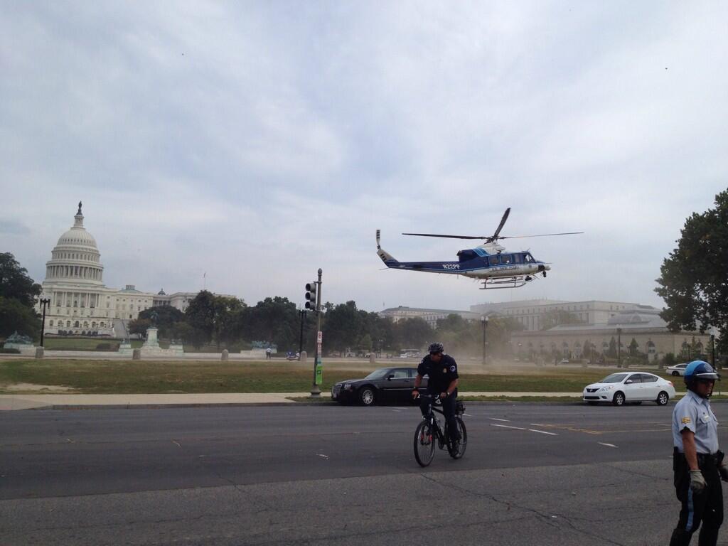 Возле здания конгресса США в Вашингтоне началась перестрелка