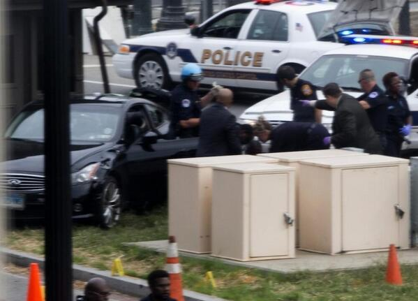 Car involved in DC shooting appears to have CT plates. Join @karasundlun and me at 5 on @WFSBnews http://twitter.com/DennisHouseWFSB/status/385847573057007616/photo/1