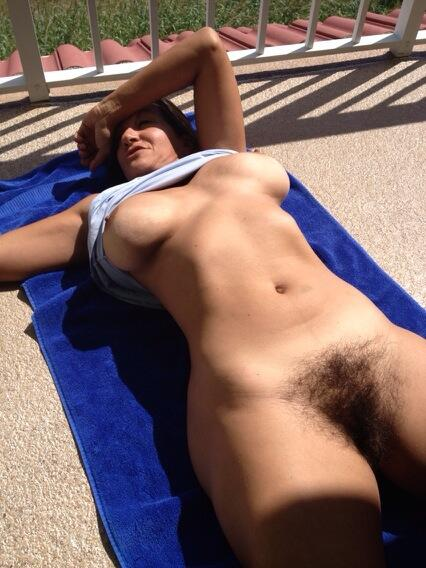 naked pics of large breasts