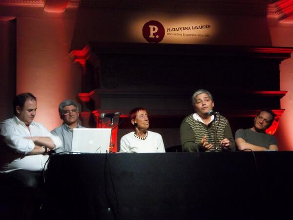#Ahora en el Gran Salón, la charla Relatos de la Infancia.#CongresodelosChicos http://twitter.com/plataformaLVDN/status/385851697005744128/photo/1
