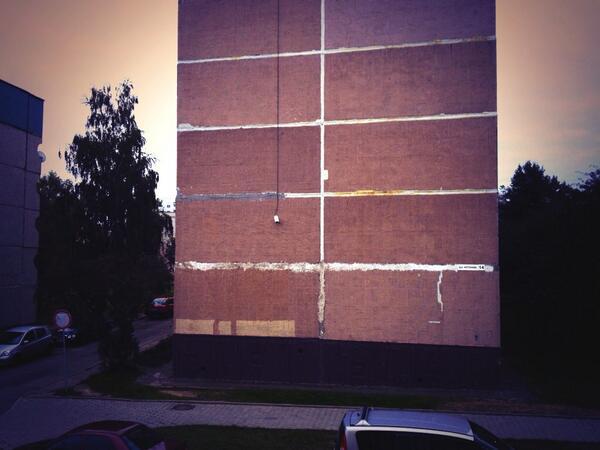 Wenn das Wort #Plattenbau ganz plastisch wird beim Blick zum Fenster raus. #lviv13 #belarus #grodno http://twitter.com/LuziaTschirky/status/385859331675410432/photo/1