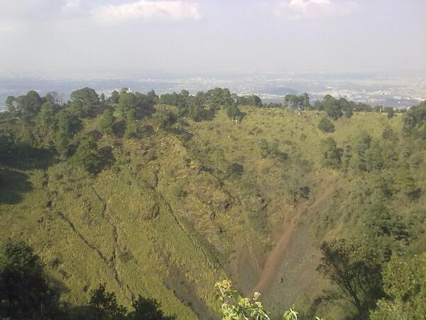 Aventura en el volcán Xitle · Experiencias · CDMX