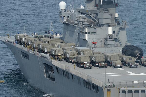 18日現在、伊豆大島の災害派遣において、人員約1,200名、車両約140両、航空機25機(延べ数)を派遣し、活動を継続中です。また海自の輸送艦により第1師団等の部隊が新たに参加します。→http://www.mod.go.jp/gsdf/news/dro/2013/20131016.html…