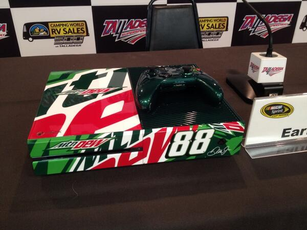 Xbox One In Mountain Dew Style