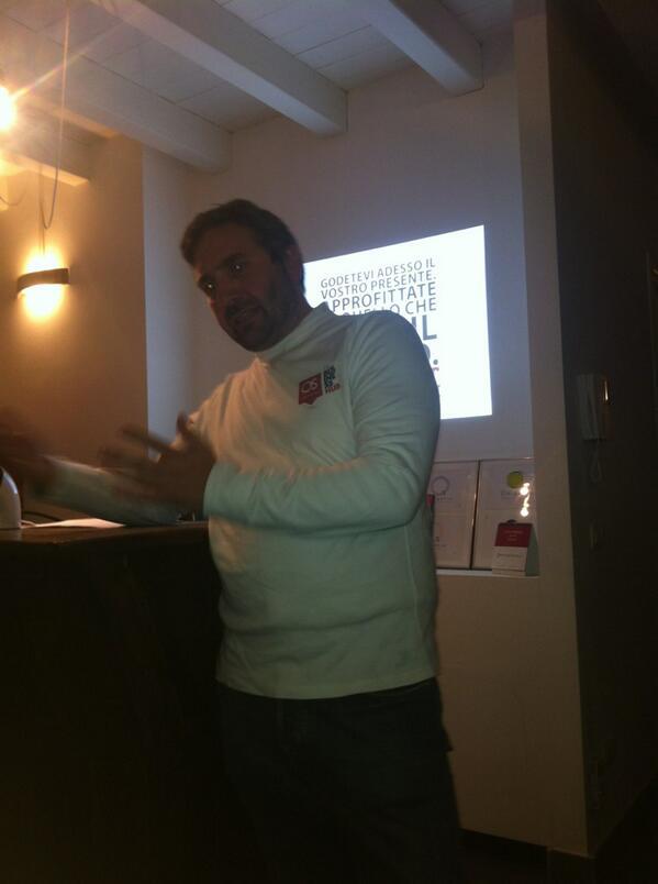 Si chiude la serata di #meanight. In Officina strategia sarà presente Alex Bellini http://twitter.com/Enricocerni/status/391260360336228352/photo/1