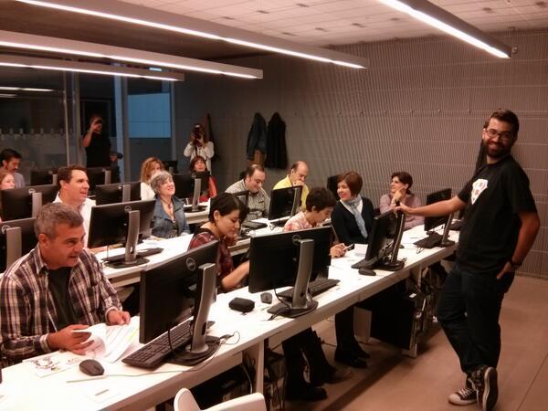 """Empezando """"Realidad Aumentada en Educación"""" en Casa del Lector #citara @aulablog @cpoyatos http://twitter.com/jfrutoses/status/391472942414311424/photo/1"""