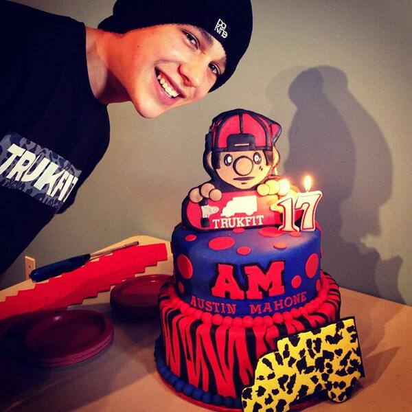 Remarkable Christi On Twitter Austins Super Swag Birthday Cake From Funny Birthday Cards Online Fluifree Goldxyz