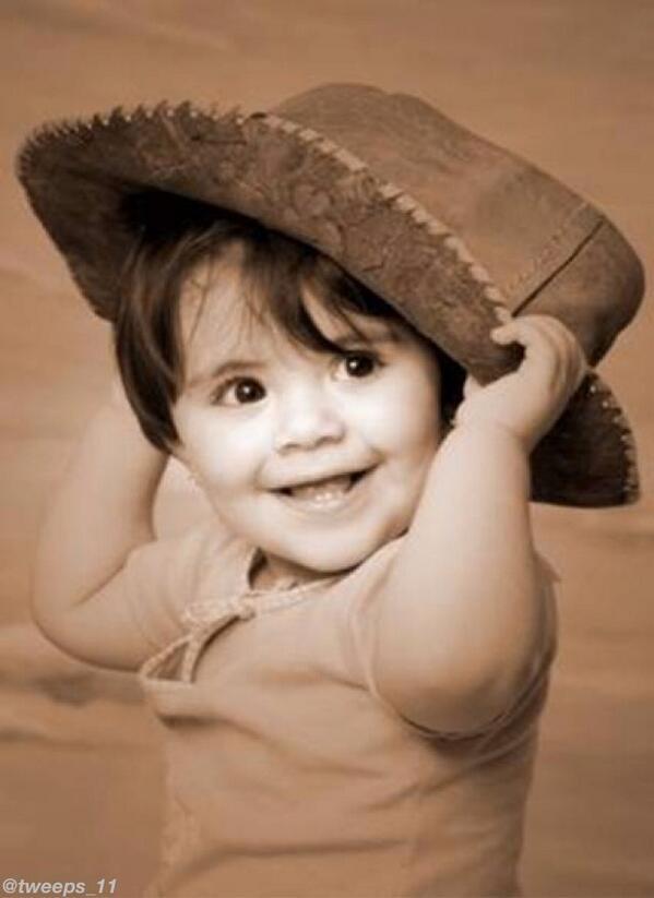 خواطر A Twitter تعلم السعادة من الأطفال فهم انقياء مسامحين ولا تسمح لقسوة الأيام إن تسلب منك أبتسامتك Http T Co 9zoxqrszrw