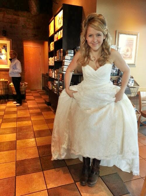 Twitter / fmlights: We spotted this bride wearing ...