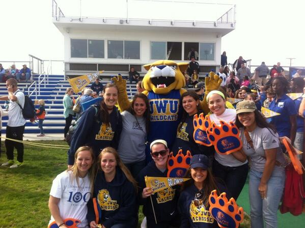 Photo op with the new Willie! #jwucats #wildcatnation http://twitter.com/JWUpvdwLax/status/391614834996830208/photo/1