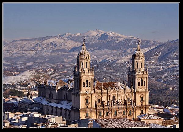 #lamejorcatedraldeEspaña es la de Jaén, no hay más que decir. http://twitter.com/Arantxi87/status/387543991572381696/photo/1