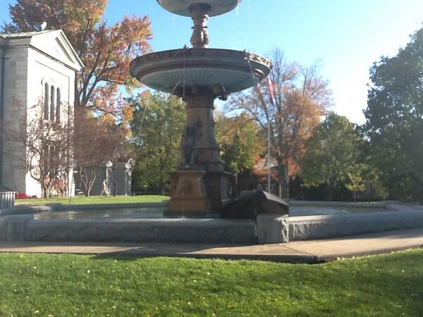 The fountain in front of the court house.