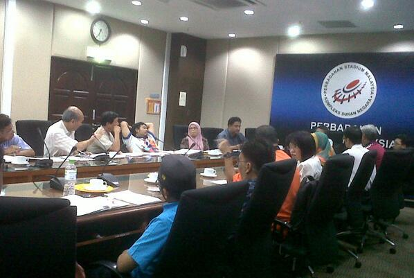 In the true In the spirit of volunteerism and paralympic camaraderie, VM & SM in a marathon @AYPGMalaysia meeting. http://t.co/uzUNm8WRsy