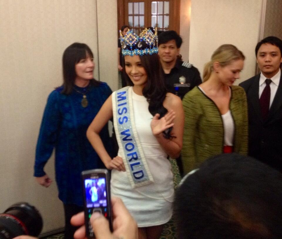 The official thread of Miss World 2013: Megan Lynne Young- Philippines  - Page 3 BWNER8JCQAAD-vO