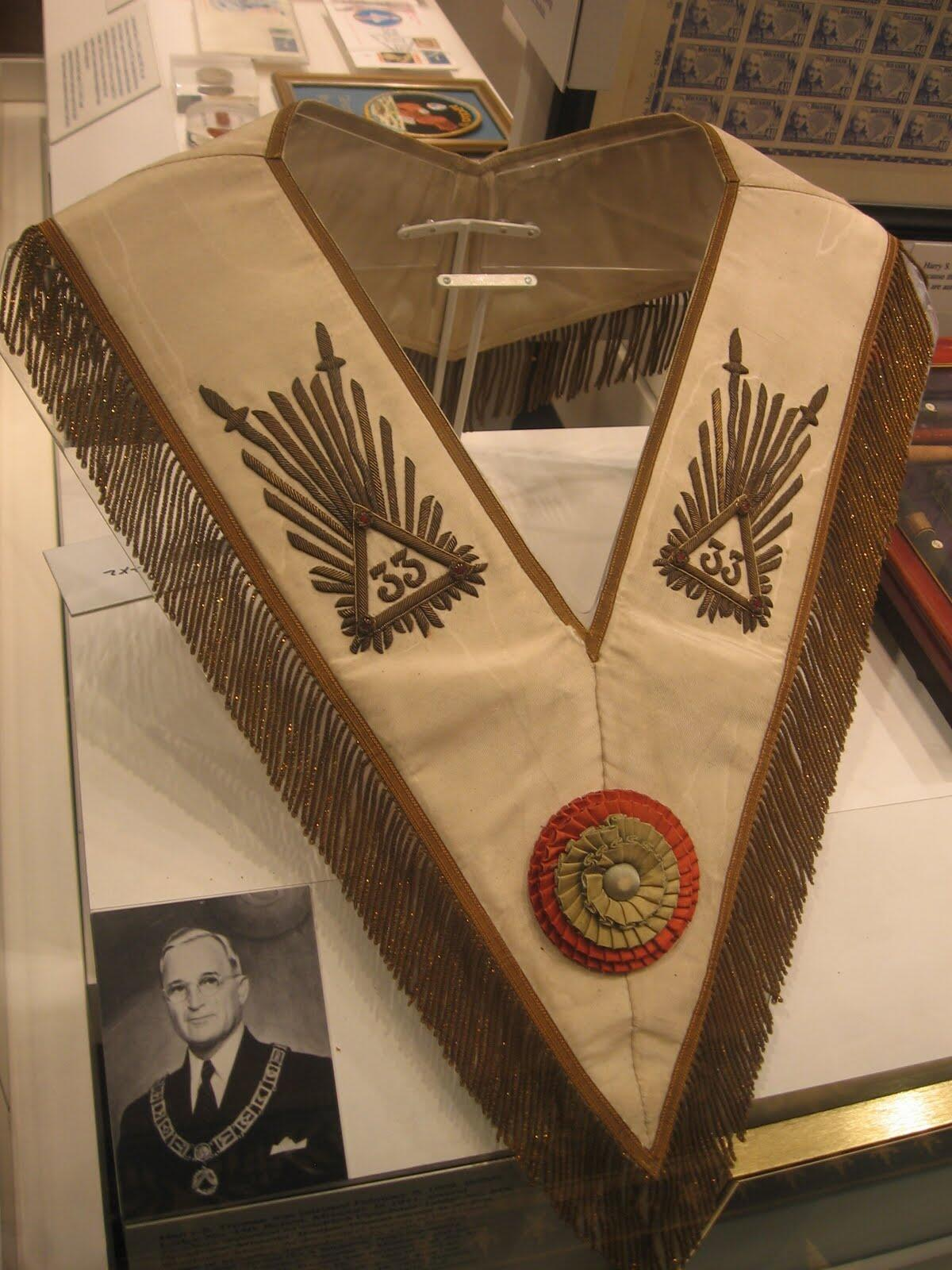 El presidente Harry S. Truman BWPwiQ1CMAEpIjK