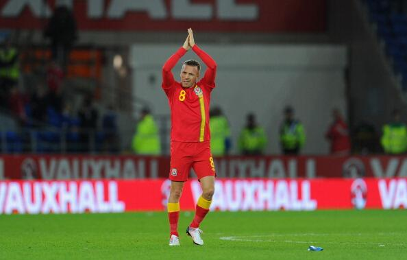 Craig Bellamy thanks Welsh fans in Cardiff after final home game before retiring
