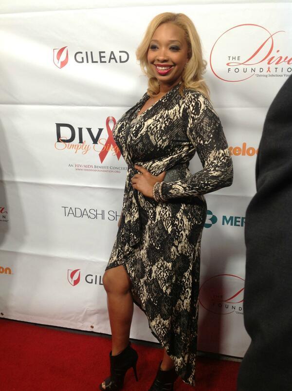 #Divas23 red carpet: @ChefHuda http://twitter.com/DivasSimplySing/status/389324019696037889/photo/1