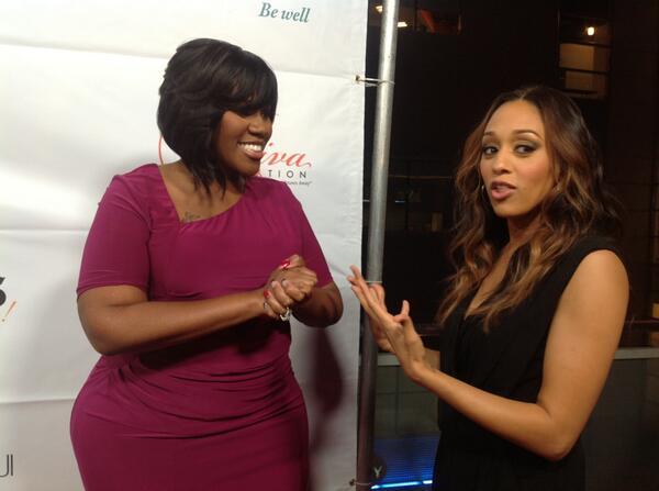 #Divas23 red carpet: @KellyPrice4Real and @TiaMowry http://twitter.com/DivasSimplySing/status/389328190016995328/photo/1