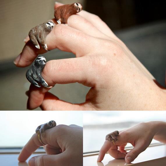 ゆるーくしがみつくナマケモノの指輪 (via http://etsy.com/listing/102832)