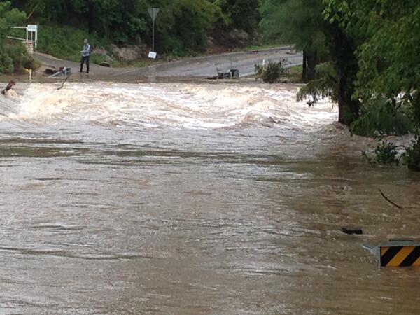 Check out this flood picture! Onion Creek 5 feet above flood stage, Flood Warning continues. Courtesy: Carmen (Buda) http://twitter.com/KVUE/status/389426988638695424/photo/1