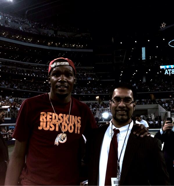 With @KDTrey5 on sidelines for #Redskins game in Dallas. #HTTR http://t.co/pXISbShiLV