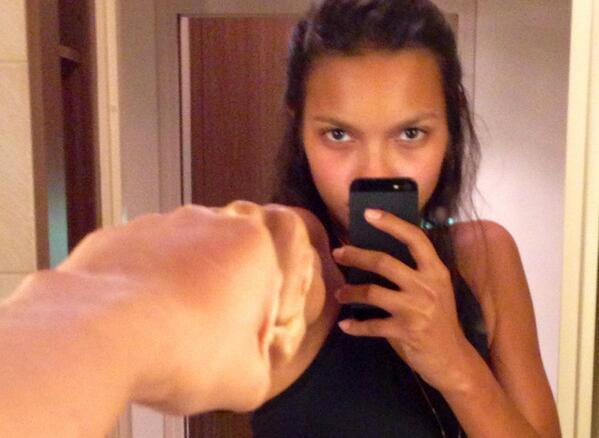 Lais Ribeiro  - Just got hom paris nofilter withfriends muaythai twitter @Lalaribeiro16