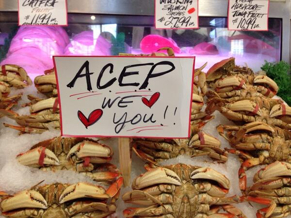 #ACEP13 love all over #Seattle #PikePlaceFish company http://twitter.com/CourtneyMGebben/status/390331489709076480/photo/1