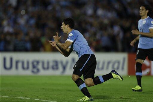 Outrageous dive! Liverpools Luis Suarez pulls off a shocker for Uruguay v Argentina