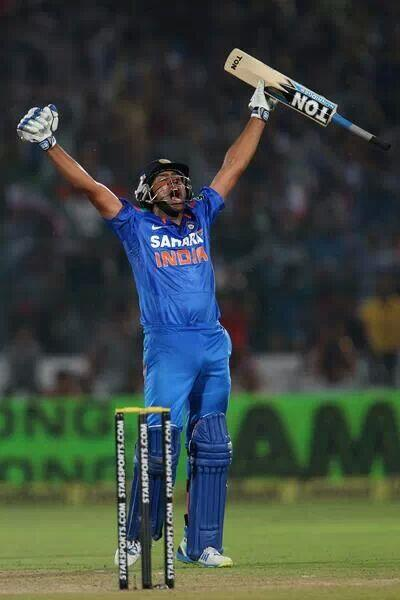 Man of the match!! Insane hitting by Ro ; 141 runs off 123 balls (17 fours ,4 sixes ) . Strike Rate : 114.63 #soproud http://t.co/hMTIIFONWt