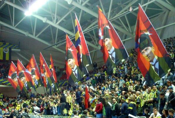 BWwuYKQCMAAzWAD - Fenerbahçe Sohbeti..