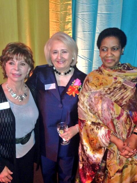 25 years of fighting for women's rights at @GlobalFundWomen with @MelanneVerveer & @isabelallende #gfwXXV http://t.co/cTIhoJk7Ph